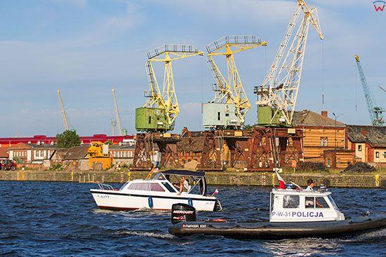 Szczecin, panorama przez Odre na wschodnie nabrzeze portowe. EU, Pl, Zachodniopomorskie.