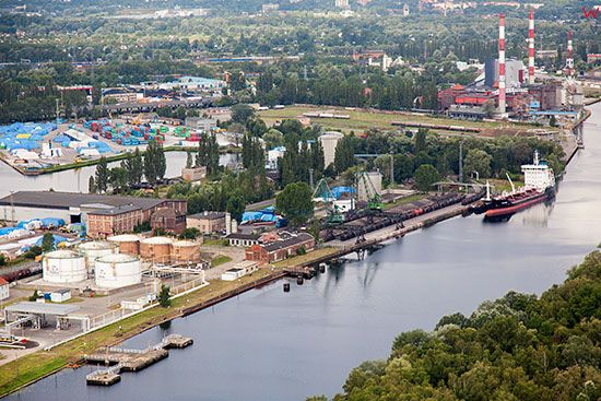 Szczecin, Nabrzeze Gornoslaskie. EU, Pl, Zachodniopomorskie. Lotnicze.