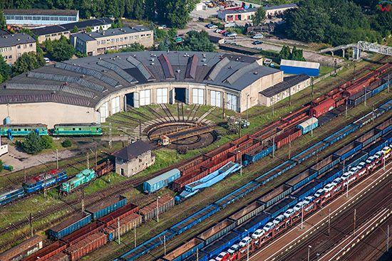 Ostrow Wielkopolski, stacja PKP z nastawnia. EU, Pl, Wielkopolskie. Lotnicze.