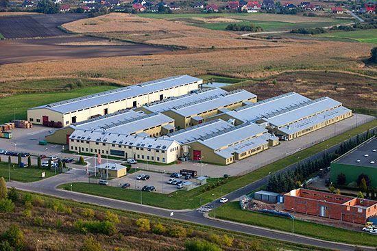 Gniezno, fabryka okien Velux. EU, Pl, Wielkopolskie. Lotnicze.