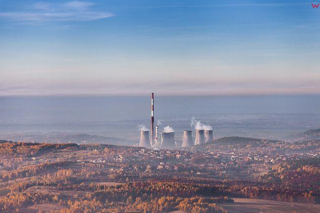 Trzebina, panorama na miasto od strony SE. EU, Pl, Malopolska. Lotnicze.