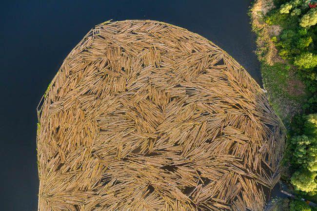 Morag, Paget Sklejka - fabryka sklejki, n/z magazynowanie drewna w jeziorze, EU, PL, Warm-Maz. Lotnicze
