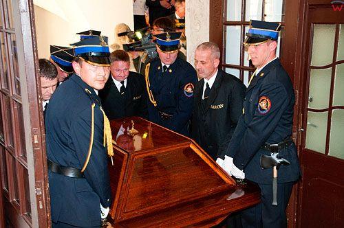 Uroczystosci pogrzebowe szczatkow Mikolaja Kopernika na olsztynskim zamku. 20.05.2010 r.