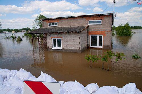 PL, Mazowieckie. Powodz w Dobrzykow. 26.05.2010r.