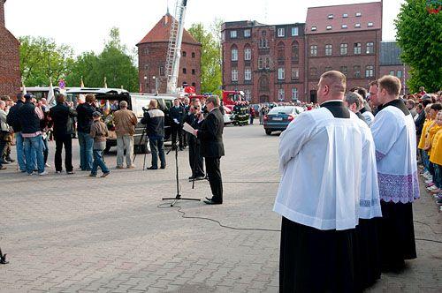 PL, warm-maz. Ponowny pochowek M. Kopernika, uroczystosci w Braniewie, 21-05-2010r.
