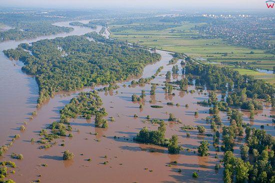 LOTNICZE, PL, Lubelskie, powodz dn. 09.06.2010 r. Panorama od str. poludnioewj (S) na wies Nasilkow.