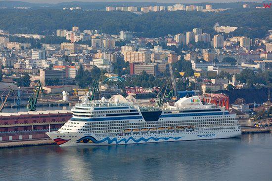 Gdynia Port, Nabrzeze Francuskie. EU, Pl, pomorskie. Lotnicze.