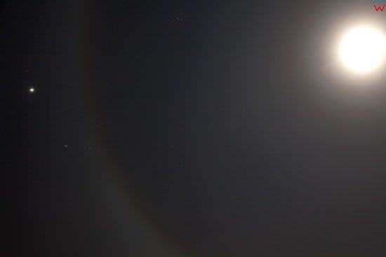 Poswiata wokol Ksiezyca zjawisko z dnia 26-11-2012 g. 22:23. EU, Pl, warm-maz.