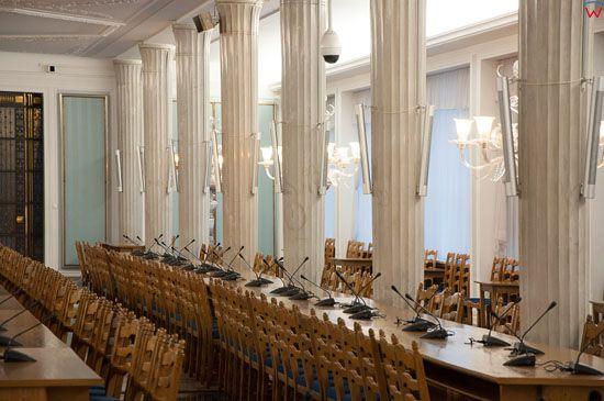 Sala im. Kazimierza Puzaka (Kolumnowa) w budynku Sejmu.