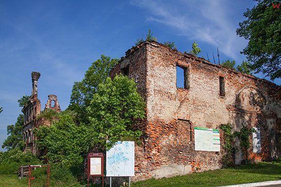 Ujazd, ruiny Zamku Biskupow Wroclawskich. EU, Pl, Opolskie.
