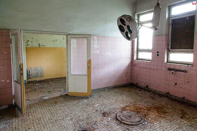 Legnica, opuszczony, poradziecki dawny szpital na terenie Lasku Zlotoryjskiego-sala operacyjna. EU, Pl, Dolnoslaskie.