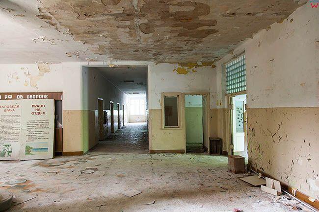 Legnica, opuszczony, poradziecki dawny szpital na terenie Lasku Zlotoryjskiego-szpitalne wnetrza. EU, Pl, Dolnoslaskie.