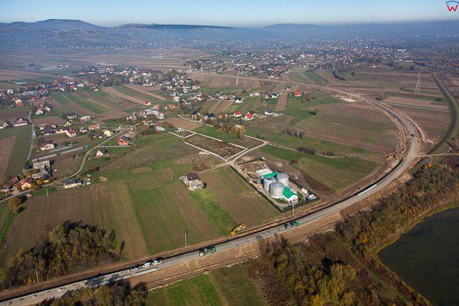 Nowy Sacz, budowa Zachodniej Obwodnicy miasta. EU, Pl, Malopolska. Lotnicze.