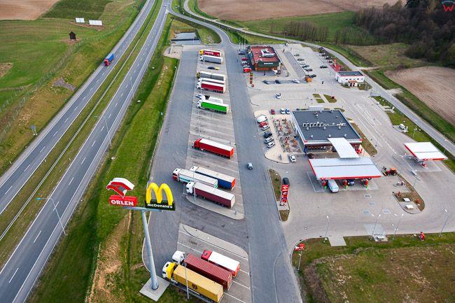 Maldyty, stacja paliw Orlen i McDonalds przy S7. EU, PL, Warm-Maz. Lotnicze.