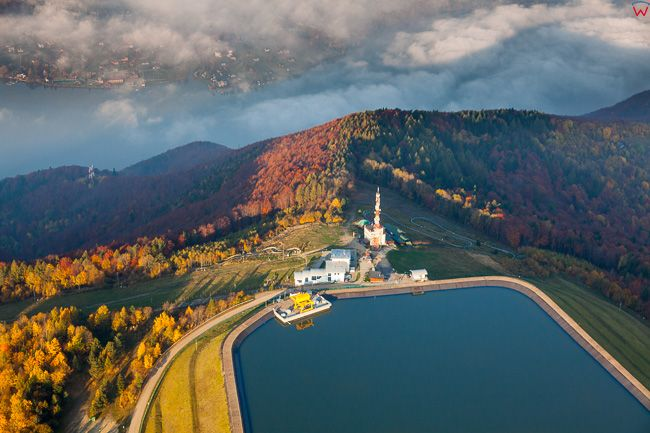Gora Zar i zbiornik elektrowni, 19.10.2017. EU, PL, slaskie. Lotnicze.