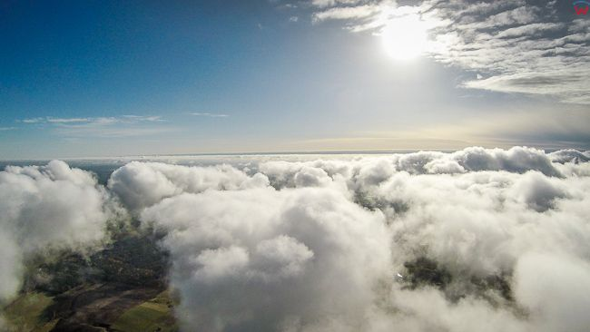 Chmury, 07.11.2017. EU, Polska, warm-maz. Lotnicze