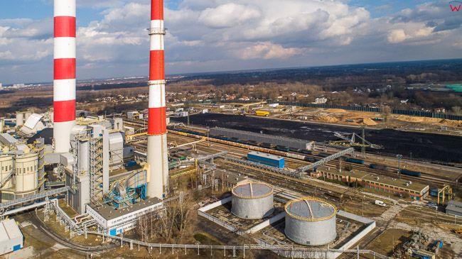Warszawa Siekierki, elektrownownia EC Siekierki. EU, PL, mazowieckie. Lotnicze.