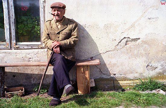 Staruszek na lawce. Smolanka 1994