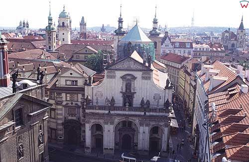 Praga, widok z wieży mostu Karola