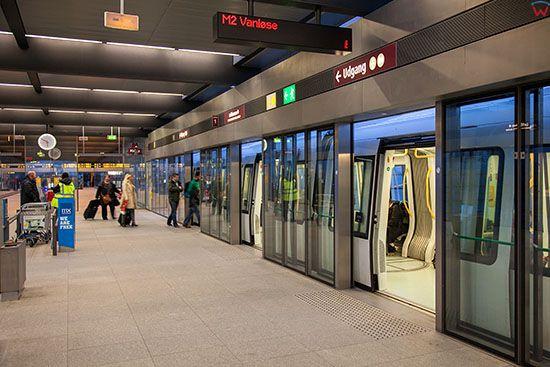 Kopenhaga (Dania). Lufthavnen Metro Station