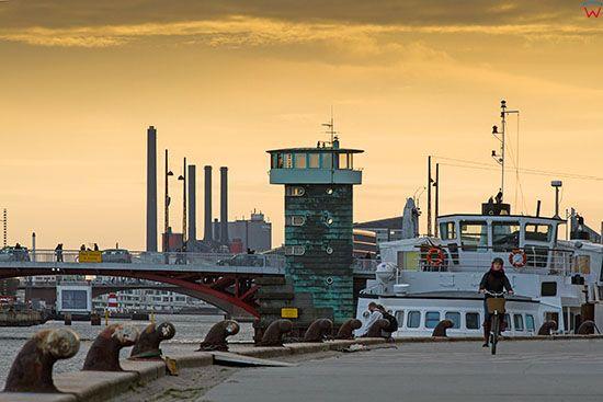 Kopenhaga (Dania). Knippel Bridge widoczny od strony Havnegade