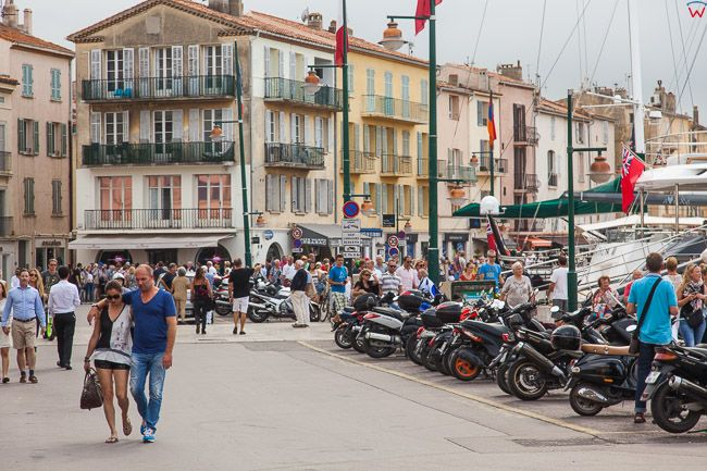 Saint-Tropez (Francja) 16.09.2015 r. nabrzeze Ouai Gabriel Peri.