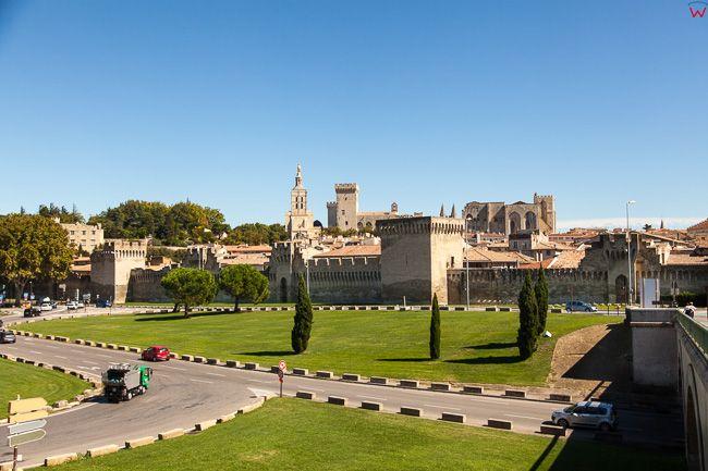 Avignon, (Francja) 16.09.2015 r. panorama na centrum miasta.