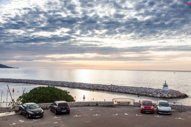 Beaulieu-sur-Mer (Francja) 15.09.2015 r.  Marina Port de  Beaulieu-sur-Mer nad Zatoka Rade de Beaulieu.