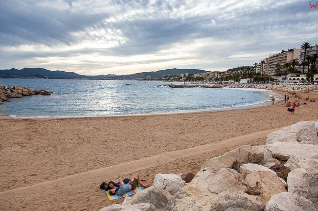 Cannes, (Francja) 14.09.2015 r. Boulevard du Midi nad Lazurowym Wybrzezem. Panorama w kierunku zatoki.