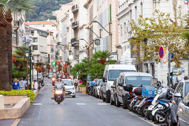 Cannes, (Francja) 14.09.2015 r. ulica Rue Felix Faure.