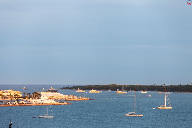 Cannes, (Francja) 14.09.2015 r. panorama na zatoke Golfe de la Napoule.