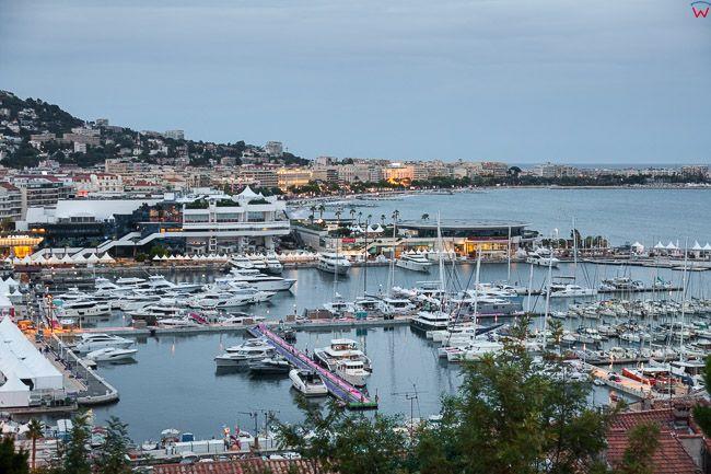 Cannes, (Francja) 14.09.2015 r.  Panorama na Marine przy Prom de la Pantiero