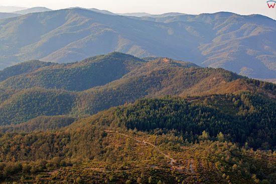 Apeniny Srodkowe, okolica Santa Agata Alle Terrine. Granica regionow Toskanii i Umbrii. EU, Italia. LOTNICZE.