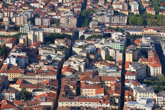 Miasto Arezzo.  EU, Italia, Toskania. LOTNICZE.