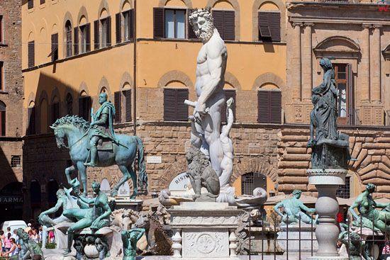 Fontanna Neptuna przy Piazza della Signoria we Florencji. EU, Italia.