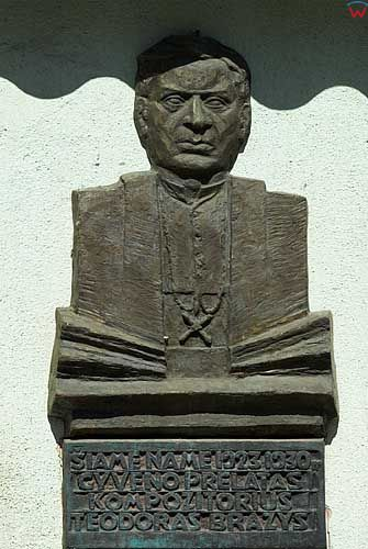 Litwa-Kowno (Kaunas). Płaskorzeźby przy ul. Wileńskiej.