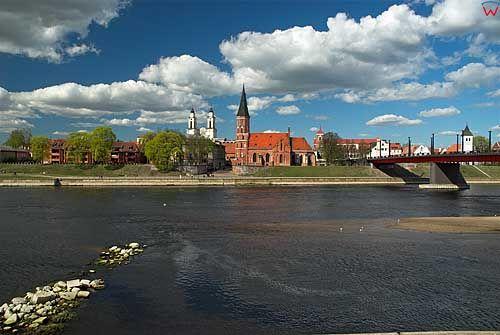 Litwa-Kowno (Kaunas). Panorama przez Niemen z widocznym kościołem Witolda.
