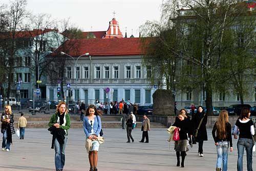 Litwa-Wilno. Plac przed Katedrą.