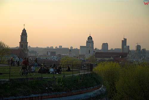 Litwa-Wilno. Barbakan i panorama miasta.