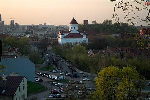 Litwa-Wilno. Panaorama z barbakanu z widoczną cerkwią Przeczystej Bogurodzicy.