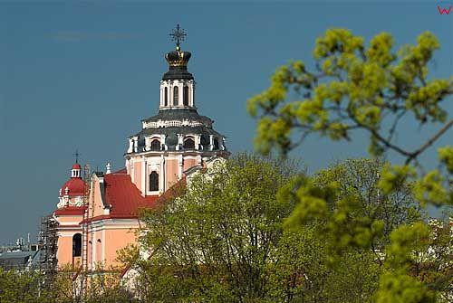 Litwa-Wilno. Wieża kościoła św. Kazimierza z muzeum na Bakszcie.