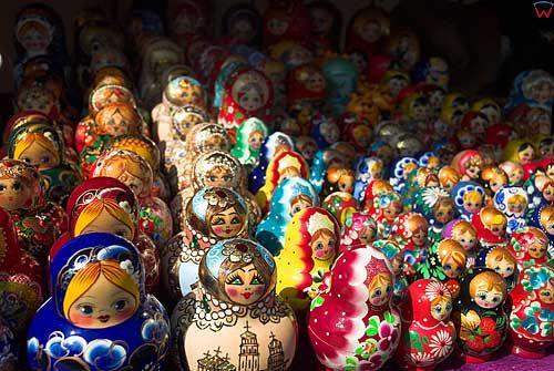 Litwa-Wilno. Zabawki na jednym ze straganów