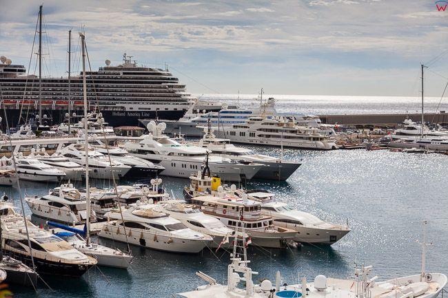 Monaco, 15.09.2015 r. panorama na Port Hercule.