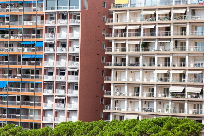 Monaco, 15.09.2015 r. panorama apartamentowce przy Avenue Ostende.