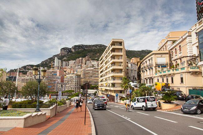 Monaco, 15.09.2015 r. panorama na ulice Avenue Ostende.