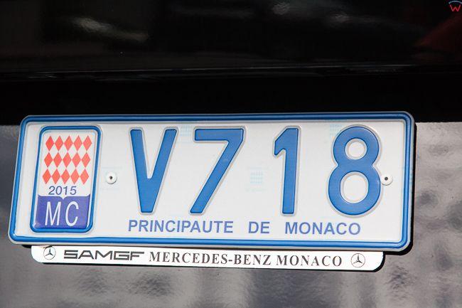 Monaco, 15.09.2015 r. tablica rejestracyjna na jednym z aut.