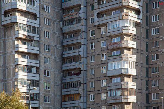 Kaliningrad, blokowiska przy ulicy Oktiabrskaja. EU, Rosja-Obwod Kaliningradzki.