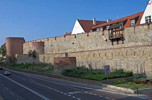 Bratysława, mury obronne