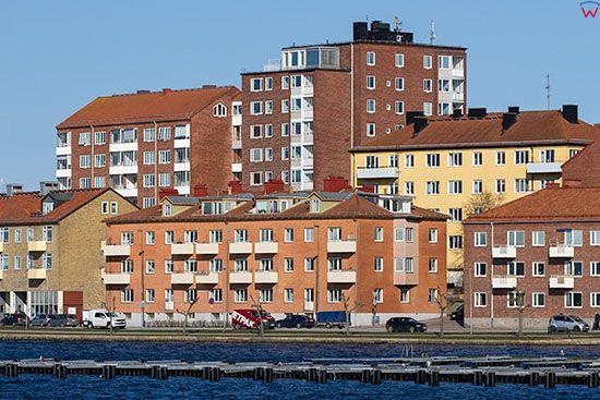 Karlskrona, dmomy mieszkal;ne przy ulicy Borgmastarekajen. EU, Szwecja.