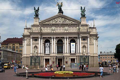Lwów. Teatr Opery i Baletu przy Prospekcie Swobody.